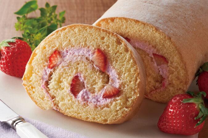 あまおうクリームの苺ロールケーキ